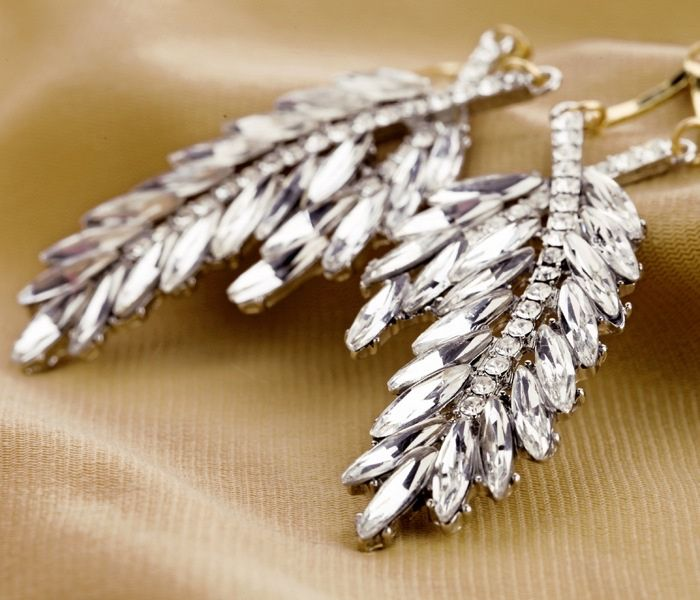 Pair of Alloy Faux Crystal Leaf Pendant Drop Earrings