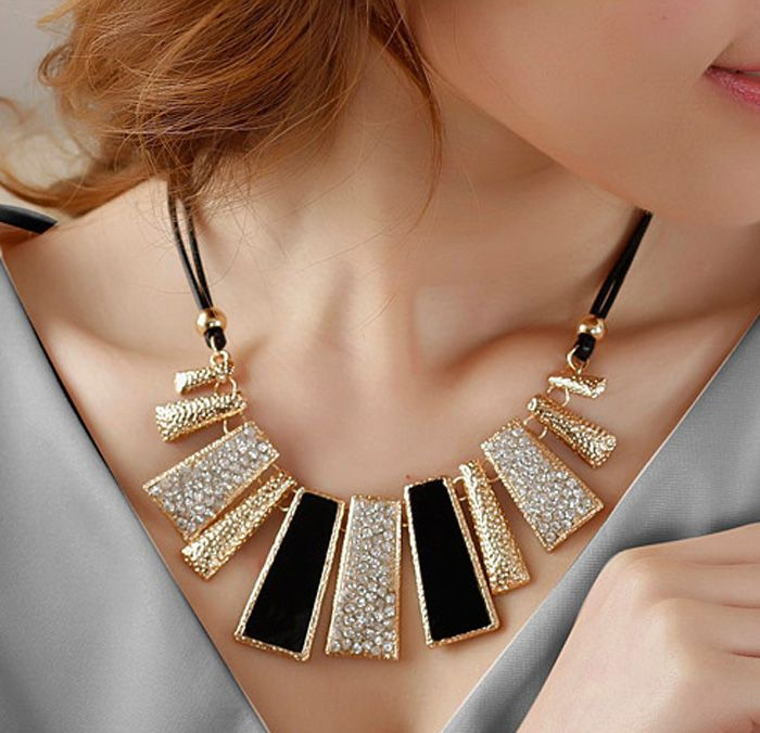 Diamante Geometric Pendant Hollow Necklace