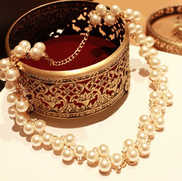 Newest Exaggerated Rhinestone Pearl Texture Short Necklace