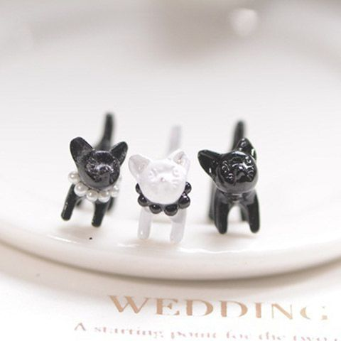 One Piece Vintage Beads Cat Earring