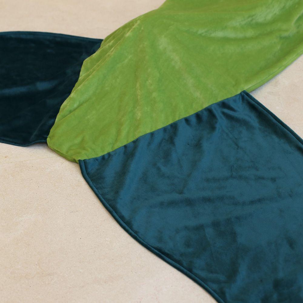 Hot Sale Comfortable Flannel Mermaid Tail Shape Blanket