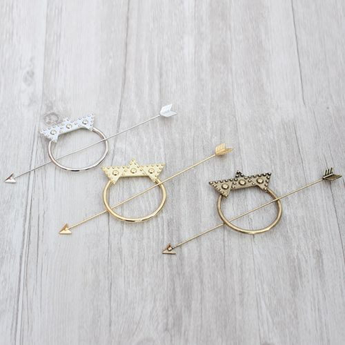 Chic Solid Color Crown Arrow Hairpin For Women