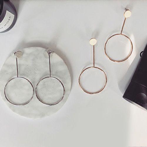 Pair of Metal Circle Alloy Earrings