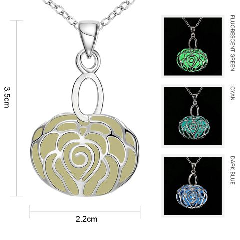 Cut Out Rose Noctilucent Pendant Necklace