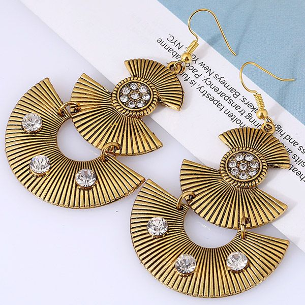 Pair of Vintage Alloy Embossed Beads Fan Shaped Earrings