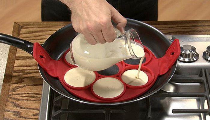 7 Holes Round Silicone Cake Baking Mould