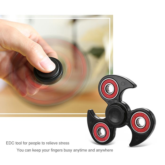 Fidget Toy Flying Wheel Hand Tri-Spinner