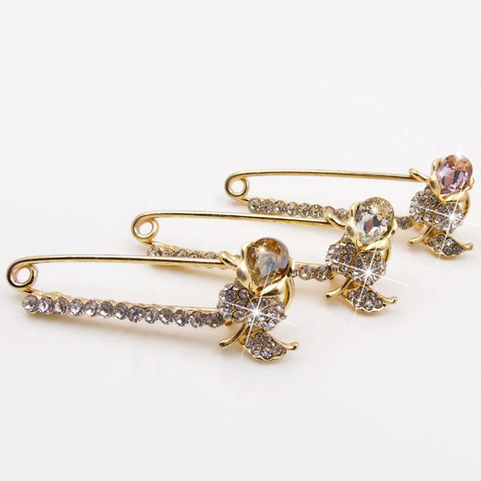 Faux Diamond Flower Brooch Pin