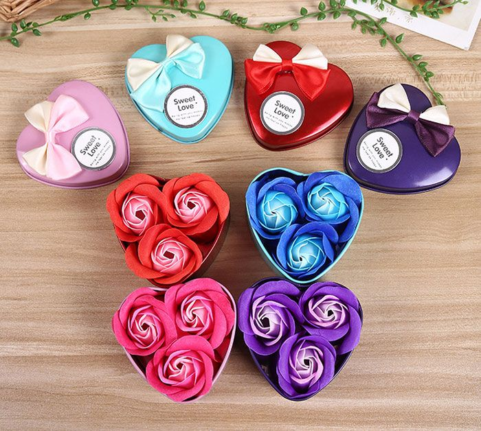 Confessions of Love 3Pcs Artificial Roses With Iron Box