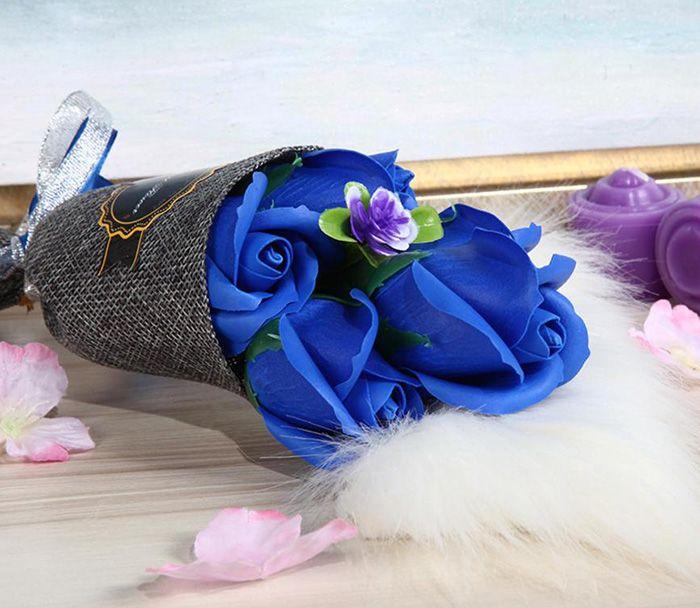 Valentine Day 5pcs Roses Artificial Flower Bouquet Handmade Soap