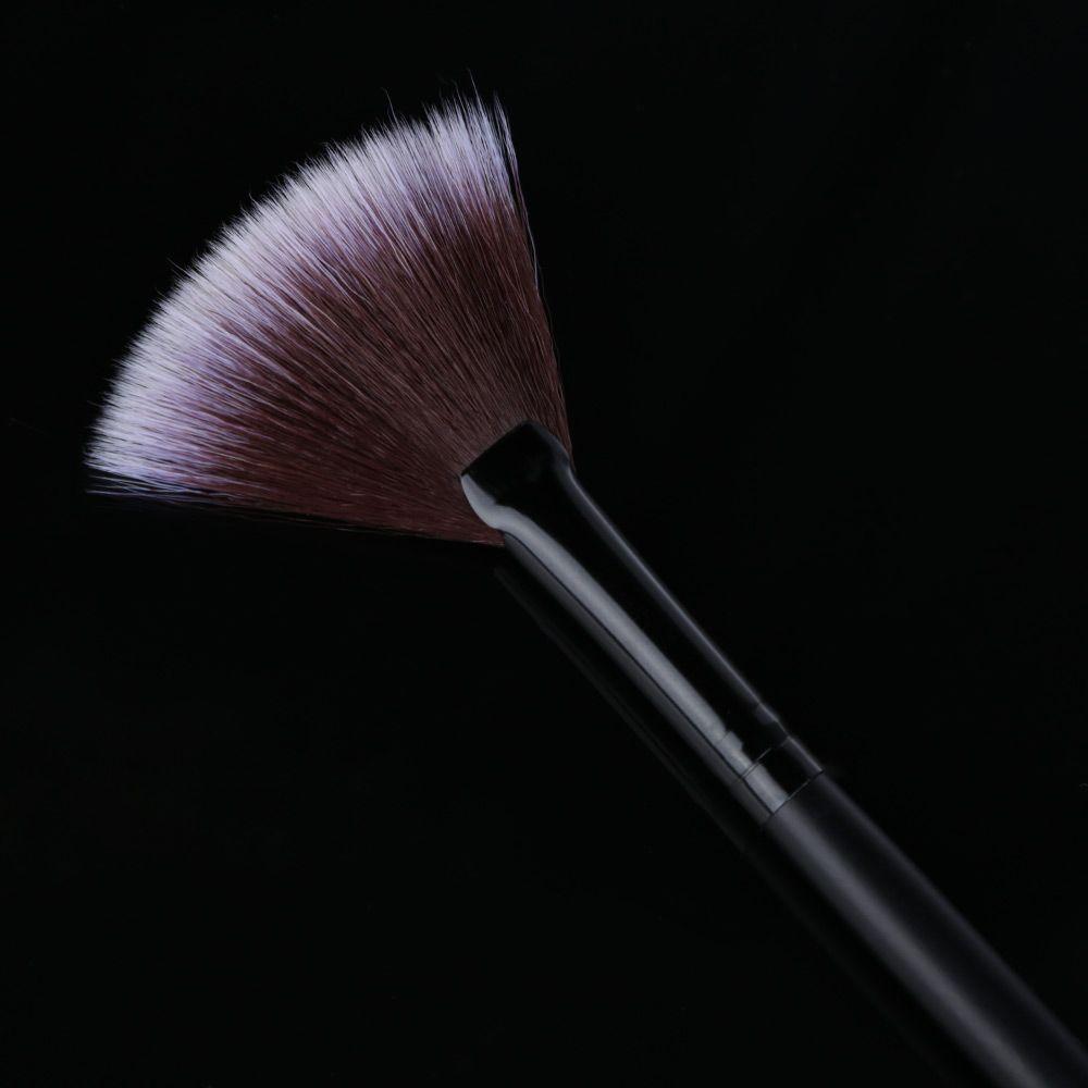 Slim Fan Shape Makeup Powder Concealer Blending Finishing Highlighter Brush