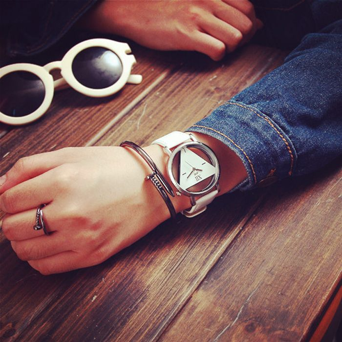JIS Transparent Dial Triangle Pattern Quartz Watch for Couple