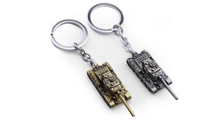 6cm Alloy Key Chain Hanging Pendant Tank Shape Keyring Movie Product for Bag Decoration