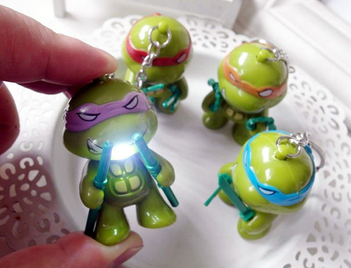 5.7cm 1PC LED Lighting Sound Turtle Key Chain Kid Toy Gift Bag Desktop Decoration