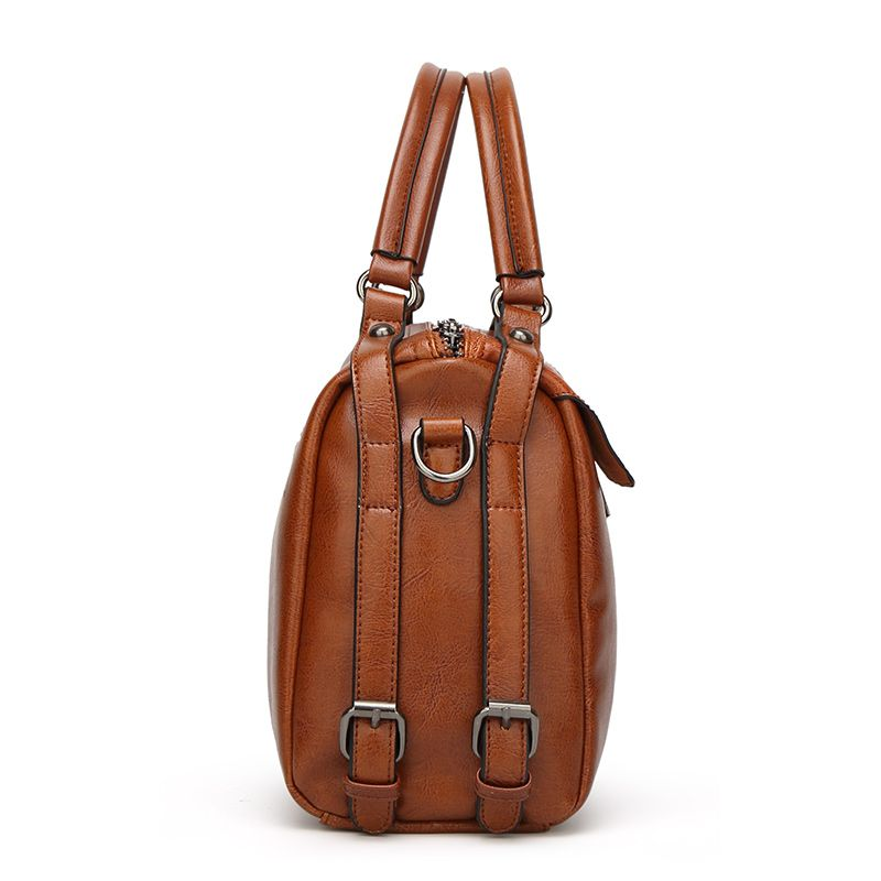 The Oil Wax Leather Vintage Fashion Style with A Handbag with A Multi-Functional Bag