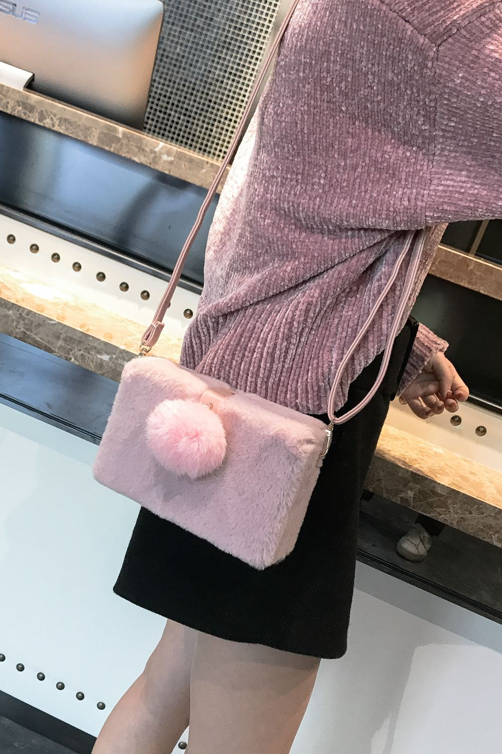 Small Package Type Decorative Hair Ball Winter New Plush Single Shoulder Bag Messenger Bag