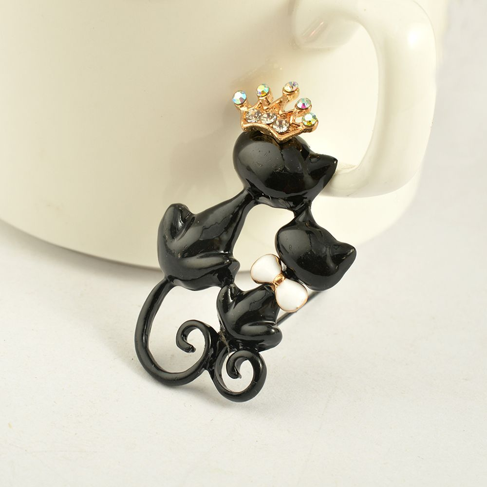Black Mother Daughter Cats Brooches Crystal Crown Queen Corsages Hijab Pin Women Hats Scarf Suit Brooch Clothes Buckles