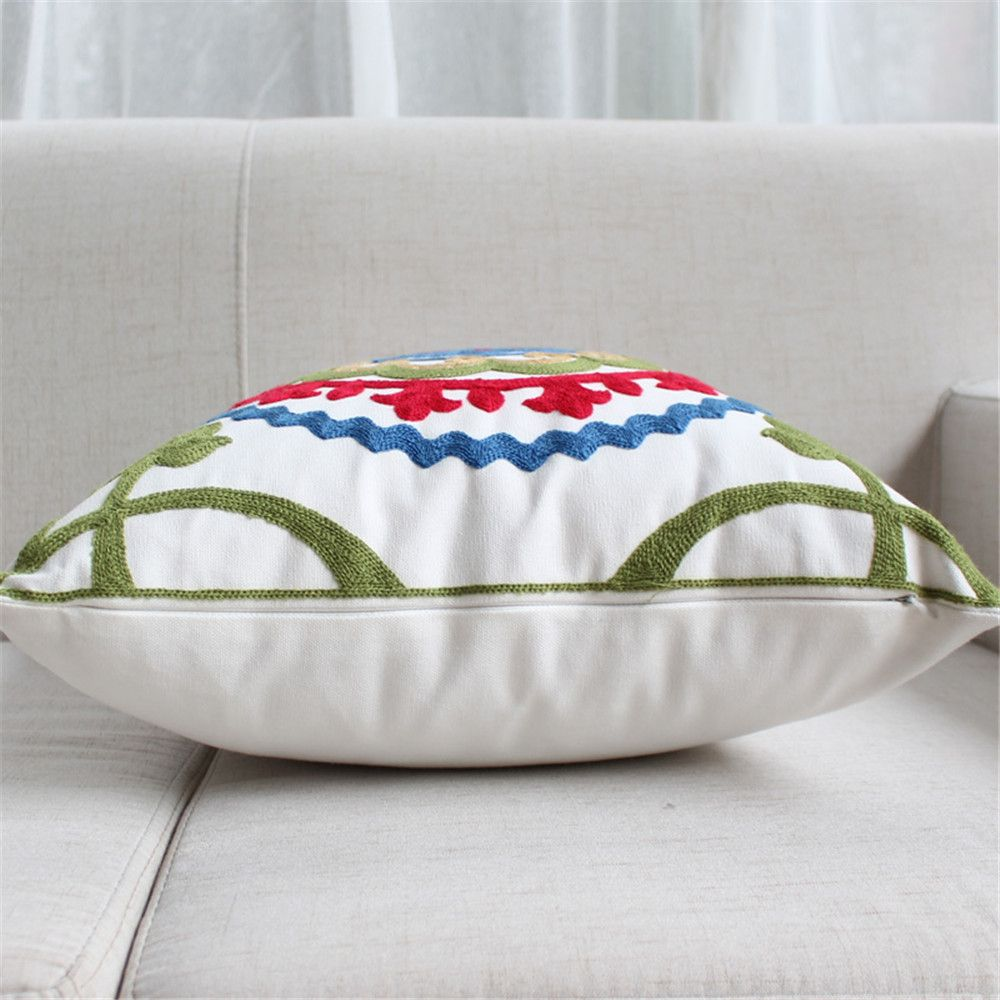 Weina Spring Outing Hold Pillow