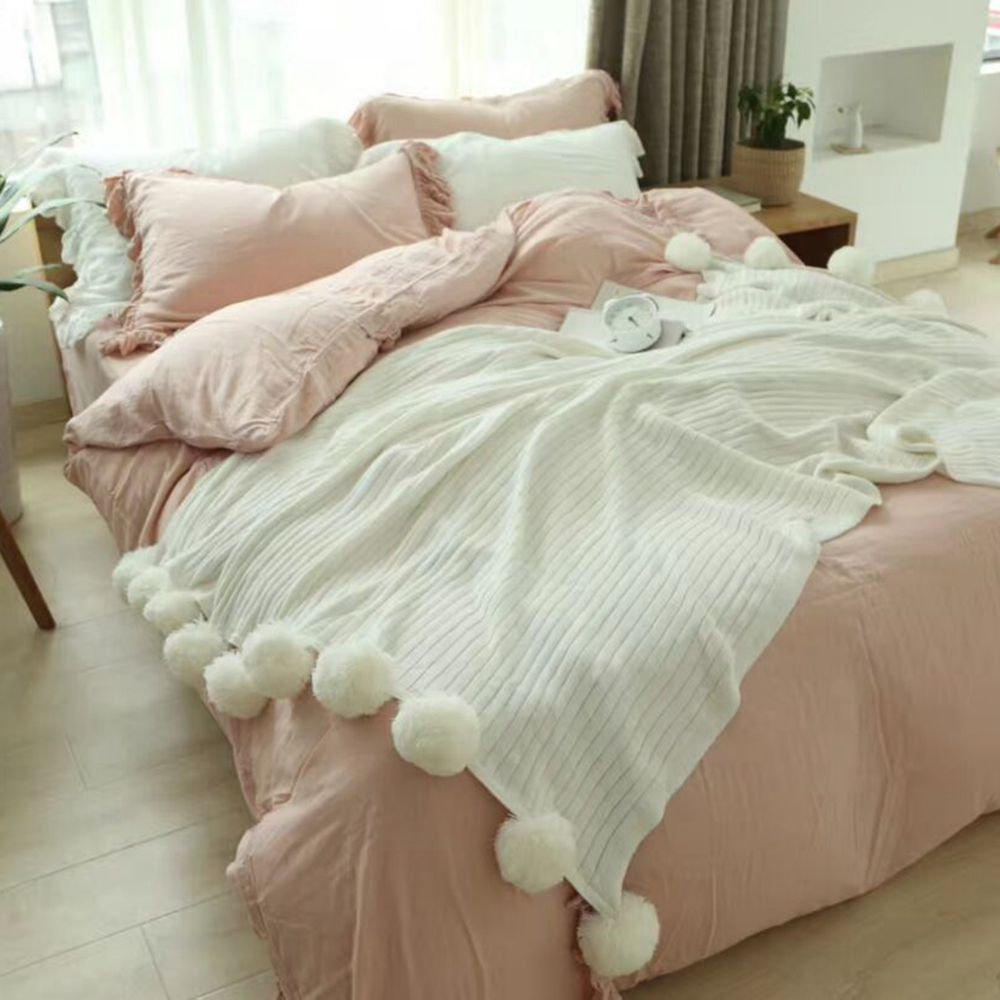 The New Pure Cotton Ball Decorative Knitted Net Red Blanket