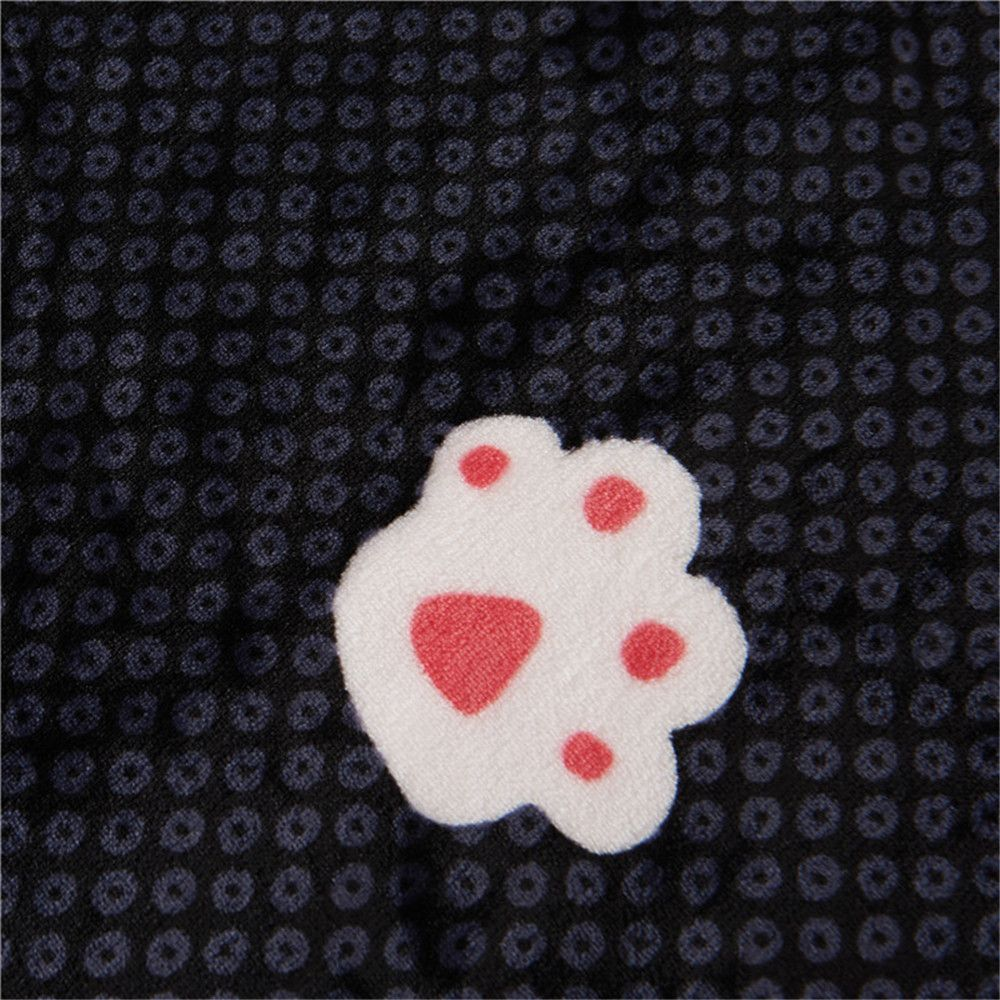 Weina The Footprints of The Bear The Blanket