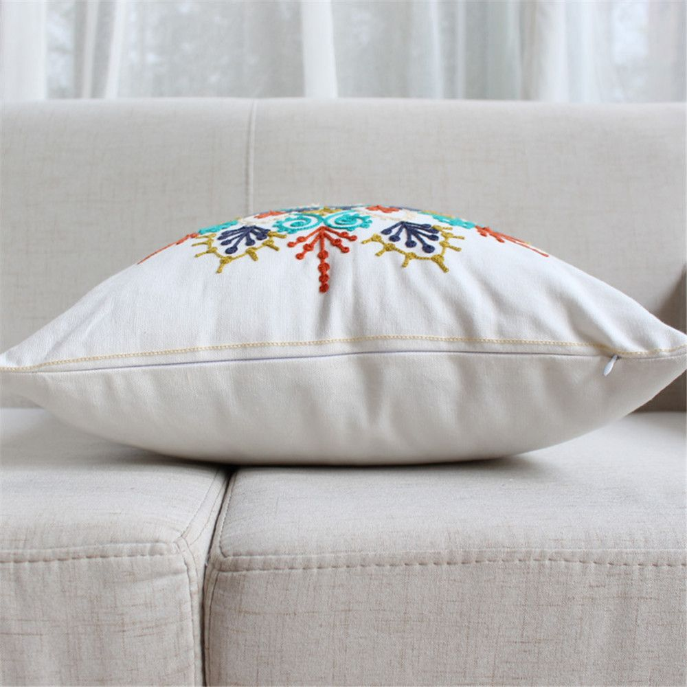 Weina Paper-Cut Flowers Hold Pillow