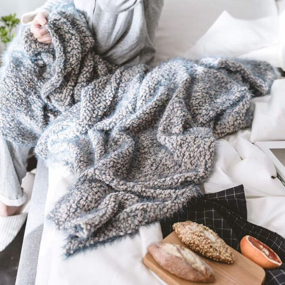 The New Product is Super Soft With Warm Yarn Blanket