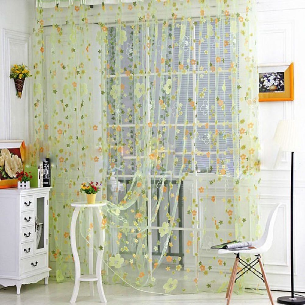 Offset Polychromatic Small Flower Window Yarn
