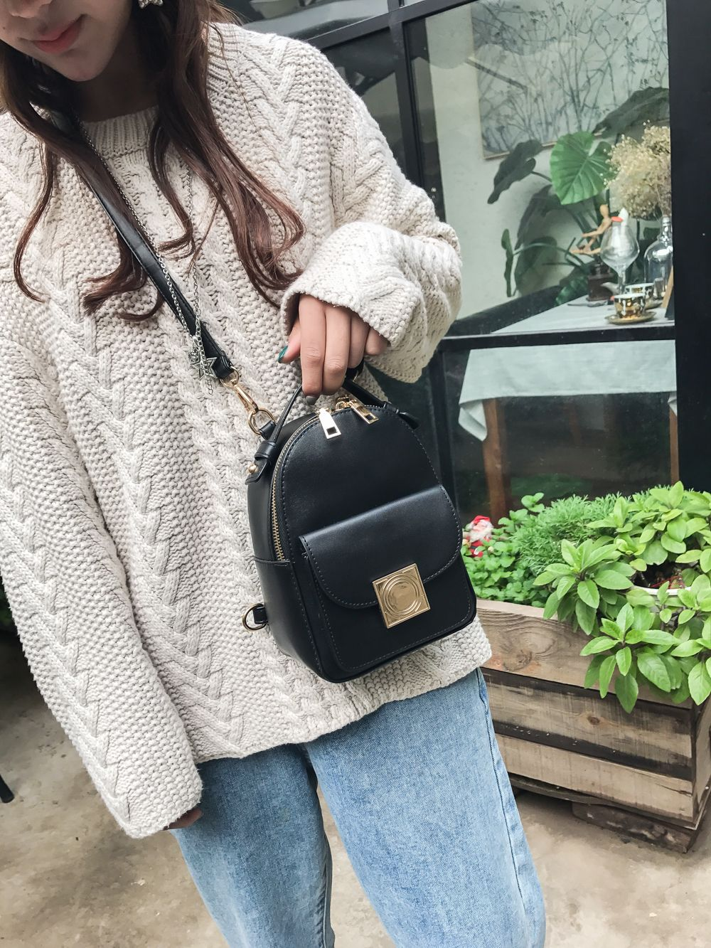 The Double Shoulder Bag Female Knapsack in The New Style of The New Fashion The Women's Single Shoulder Double Back