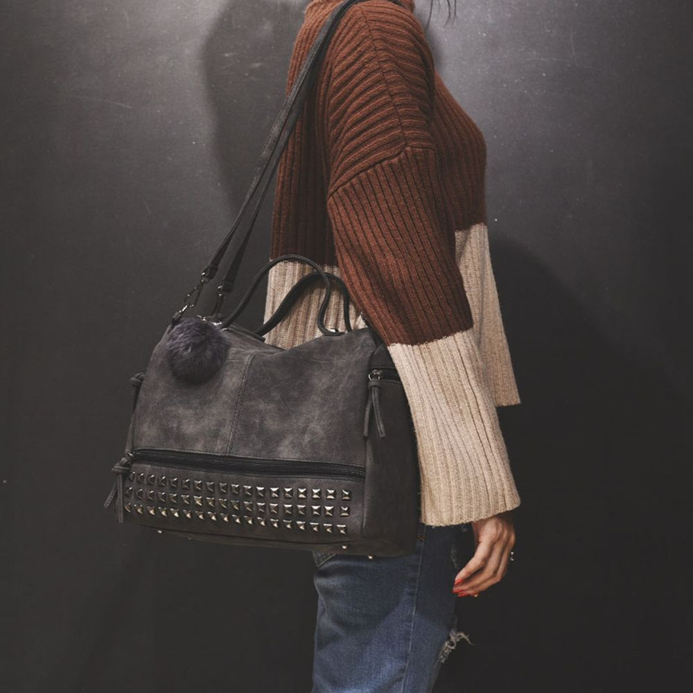 2018 New Hair Ball Ornaments Bag Nubuck Leather Rivet Motorcycle Bag Fashion Portable Bag