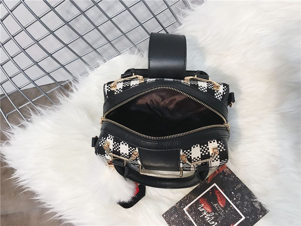 New Grid Simple Fur Ball Pendant Shoulder Messenger Bag