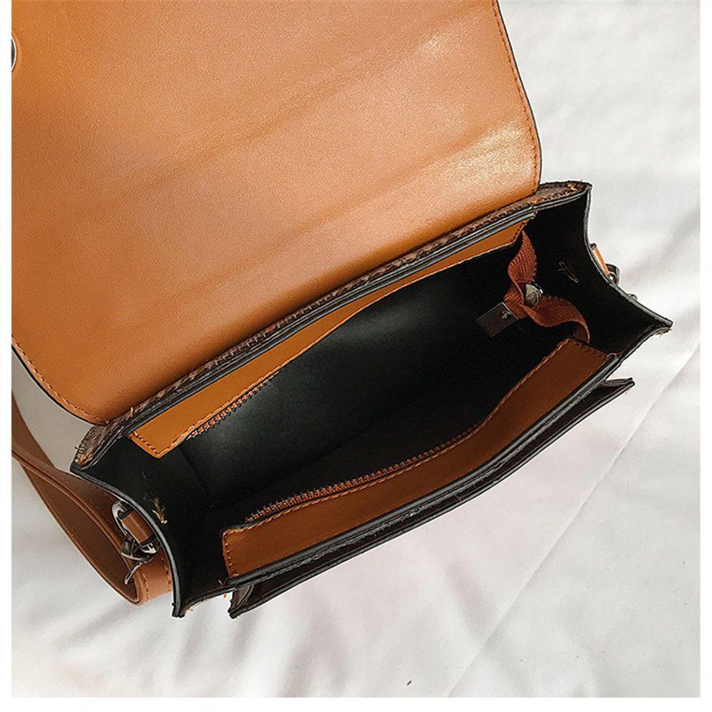 Classic Lattice Wild Shoulder Messenger Bag Handbag