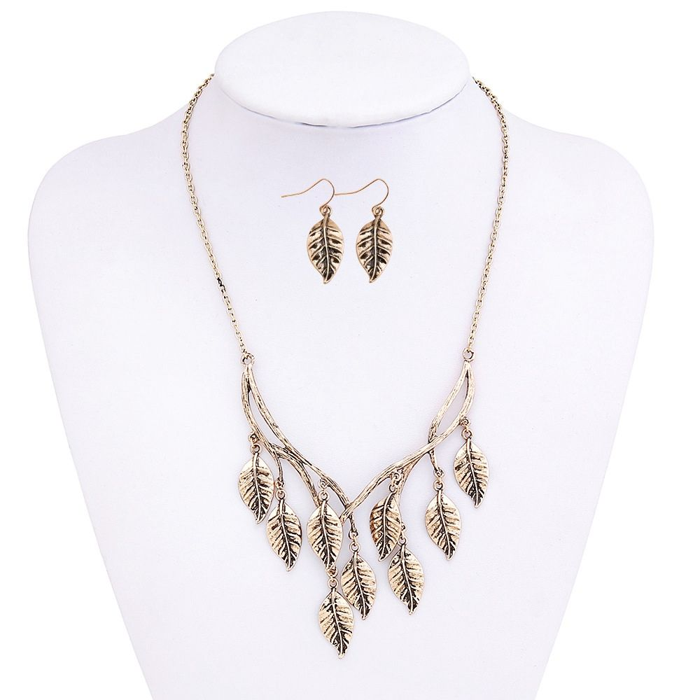 New Retro Sweater Chain Alloy Plating Ancient Silver Maple Leaf Pendant Necklace Earrings Jewelry Set