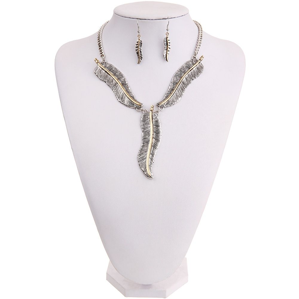 Fashion Personality Feather Pendant Necklace Earrings Jewelry Set Ladies Jewelry