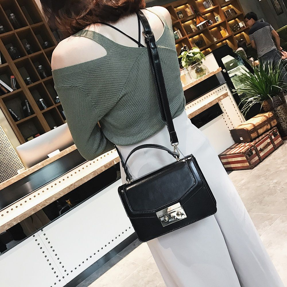 Fashion Women Pack 2018 New Fashion Style Small Square Bag with Single Shoulder Bag Design Stereo Cross-Body Bag