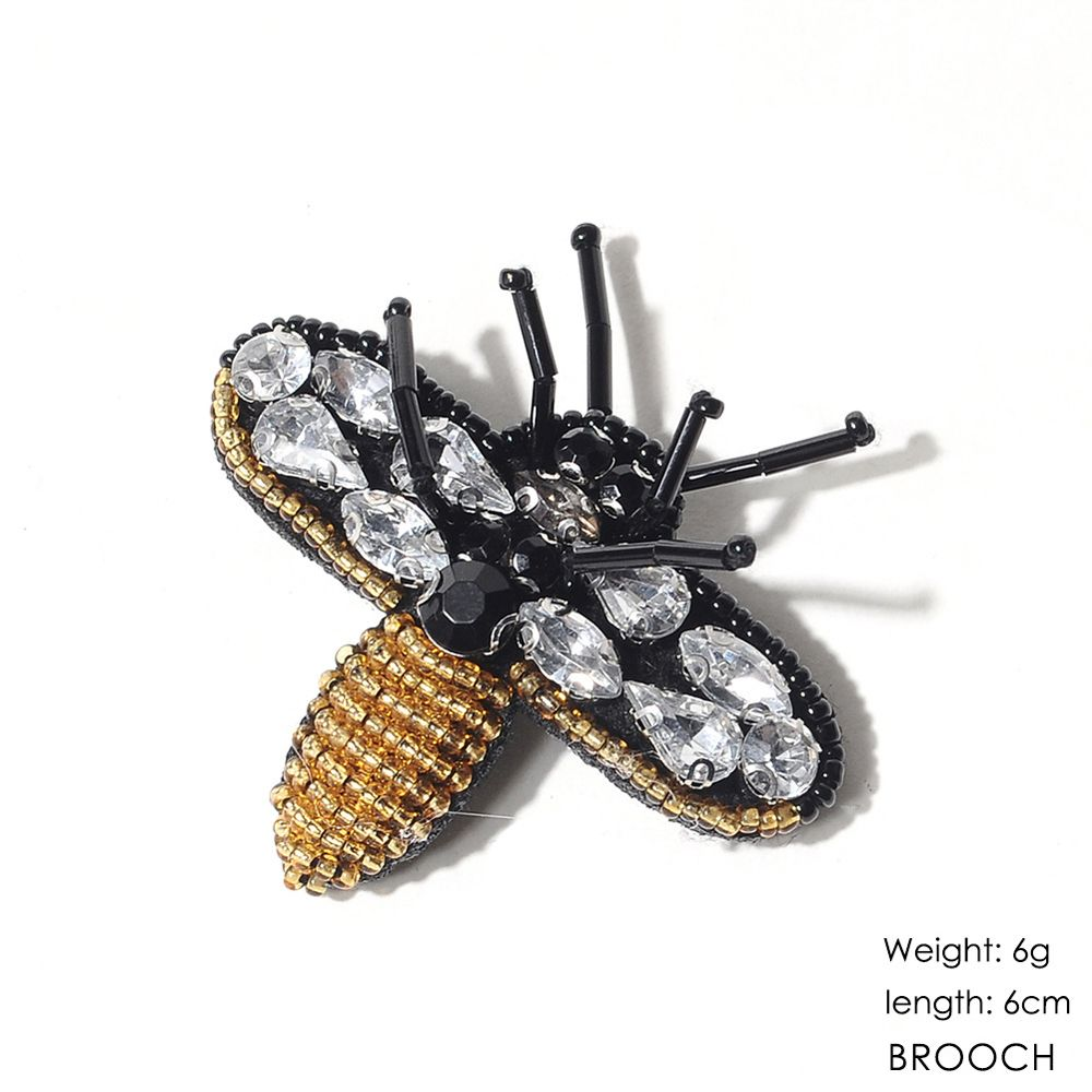 New Arrivals Cartoon Handmade Embroidery Bee Party Jewelry Design Clothes Brooch for Women Gift