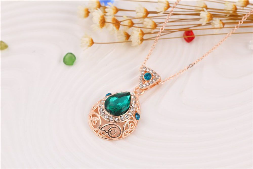 2PCS Crystal Diamond Earrings Drop Hollow Pendant Necklace Jewelry Set