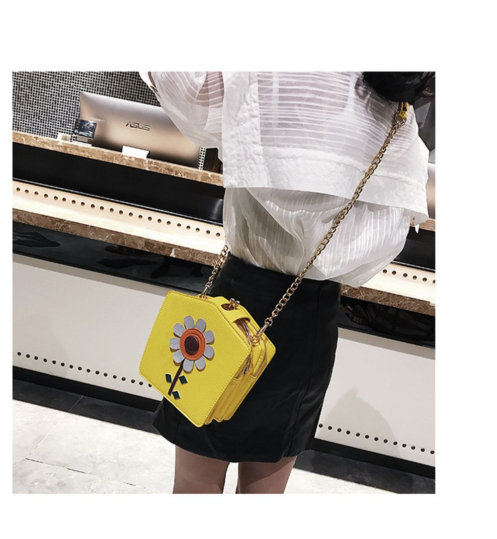 Cute Little Female Joker Simple Chain Meng Students Spend Messenger Bag