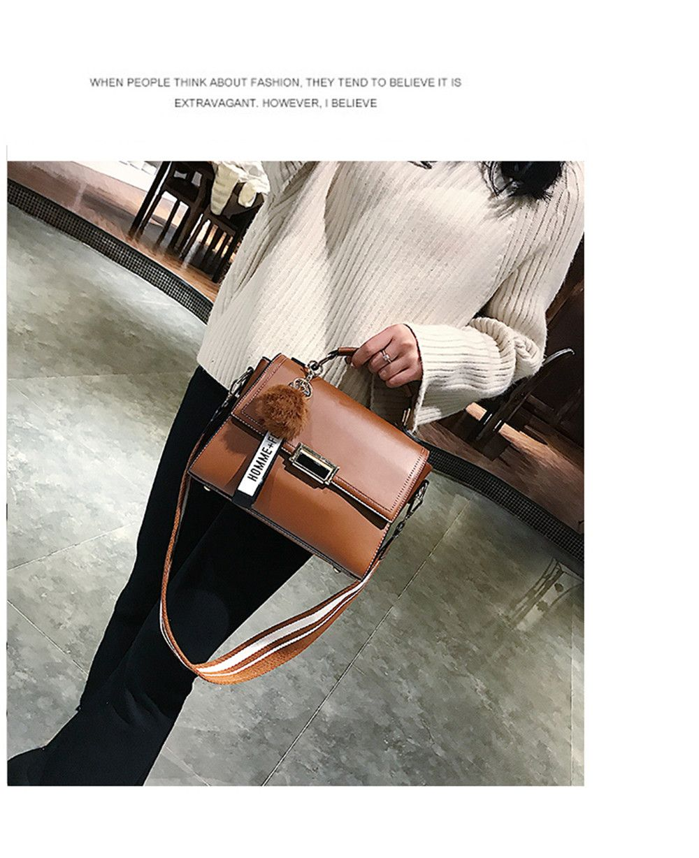 Fashionable Atmosphere Female Wild Messenger Shoulder Bag Wide Strap Small Square Package
